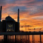 4 Masjid Terapung di Dunia Paling Indah