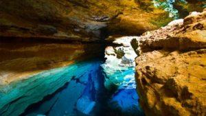tempat-terindah-di-dunia-blue-well