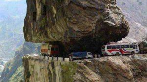 berbahaya-jalan-di-penghubung-kashmir-india_20151109_214009
