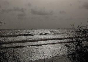 pantai dumas di malam hari