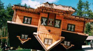 rumah-unik-terbalik