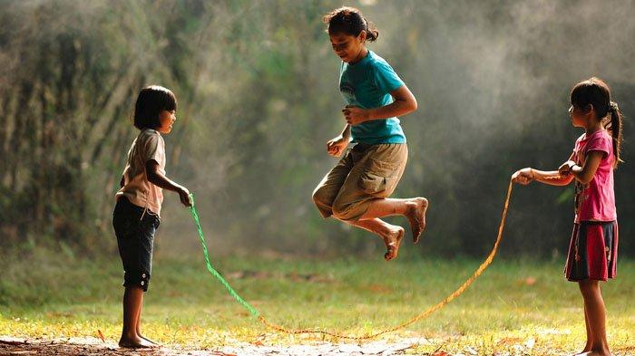 Daftar Permainan Tradisional Indonesia yang Bikin Kangen Masa Kecil